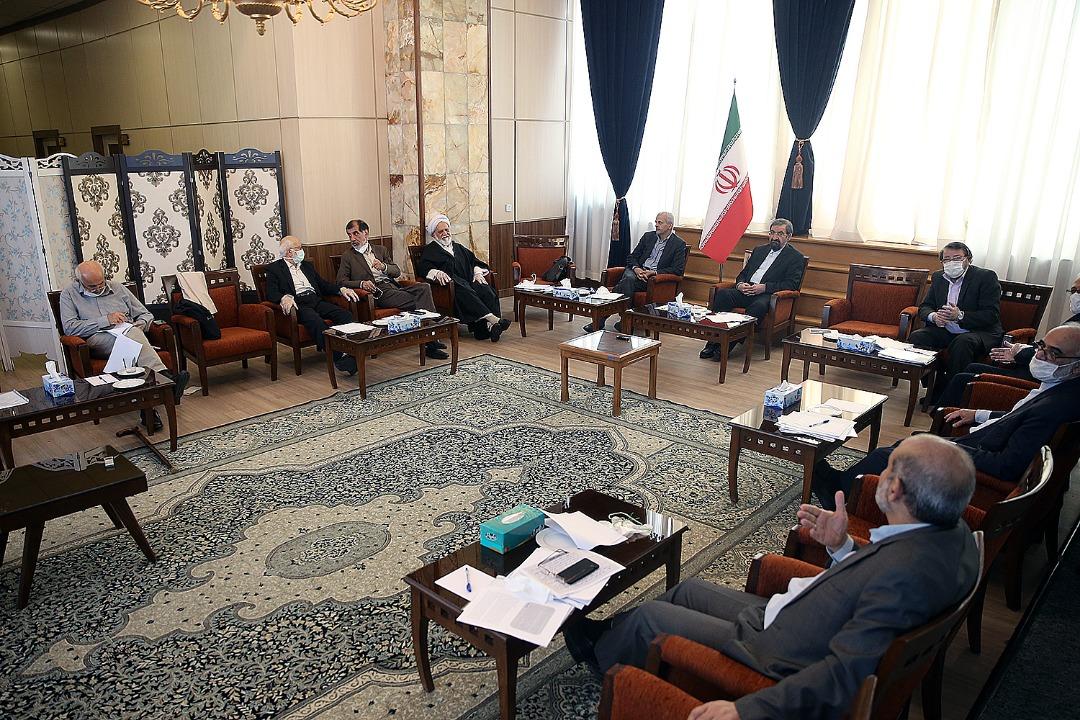 تصویر جلسه کمیسیون اقتصادکلان، بازرگانی و اداری مجمع تشخیص مصلحت نظام عصر روز چهارشنبه ۳۱ اردیبهشت برگزار شد.