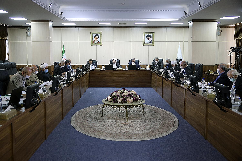 تصویر بررسی مصوبه ی حذف چهار صفر از پول ملی در هیئت عالی نظارت مجمع