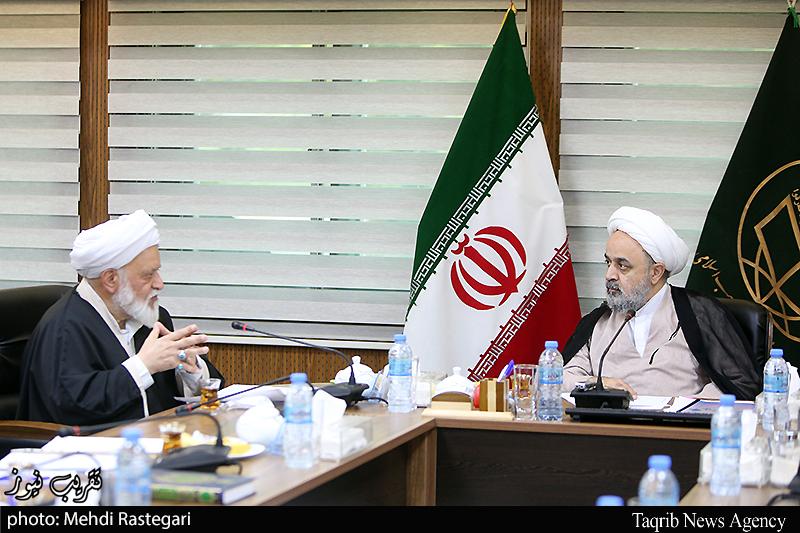 تصویر جلسه رئیس و اعضای اتحادیه اقتصاددان جهان اسلام با دبیرکل مجمع تقریب مذاهب